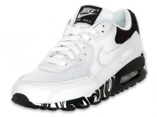 white and black air max