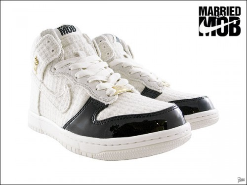 Married to the MOB x Nike Dunk High