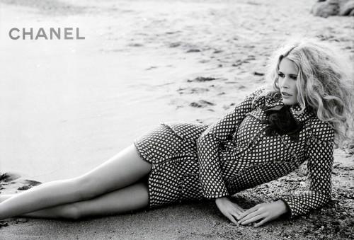 Claudia Schiffer New Face of Yves Saint Laurent