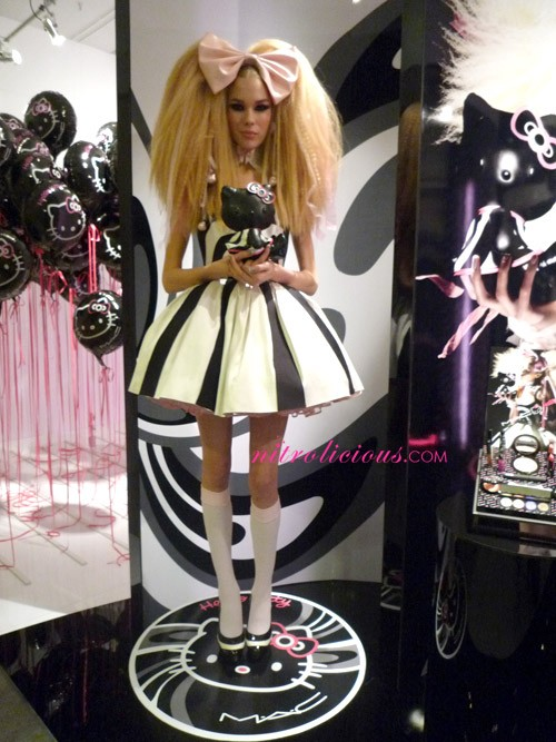 Full Look: MAC Cosmetics x Hello Kitty Collection