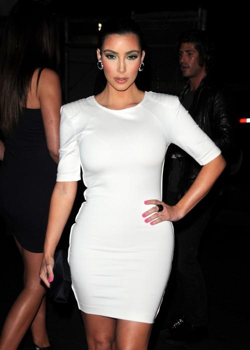 kim-kardashian-hm-divided-exclusive-dress-02