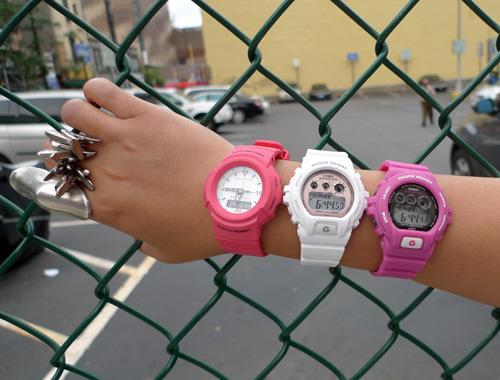 знают, что часы g shock женские белые на руке пресс-релизе
