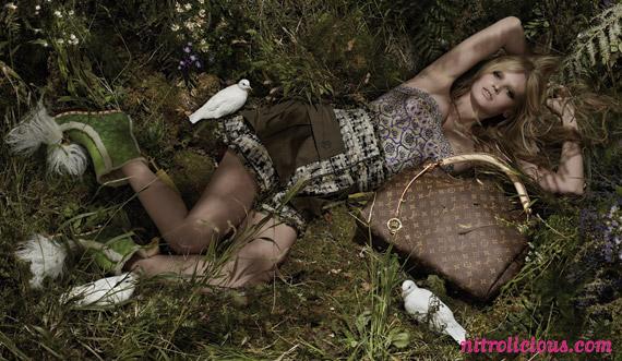 Lara Stone for Louis Vuitton Spring/Summer 2010 Ad ...