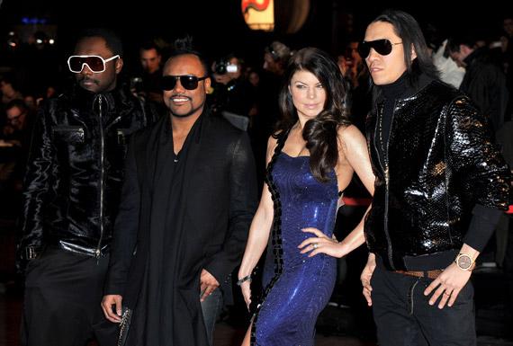 Fergie-NRJ-Music-Awards-2009-04
