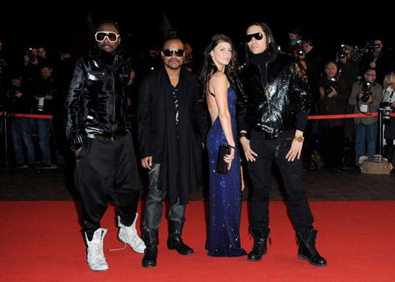Fergie-NRJ-Music-Awards-2009-05
