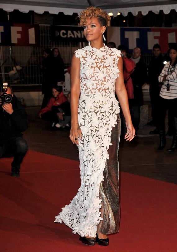 Rihanna-NRJ-Music-Awards-2009-04