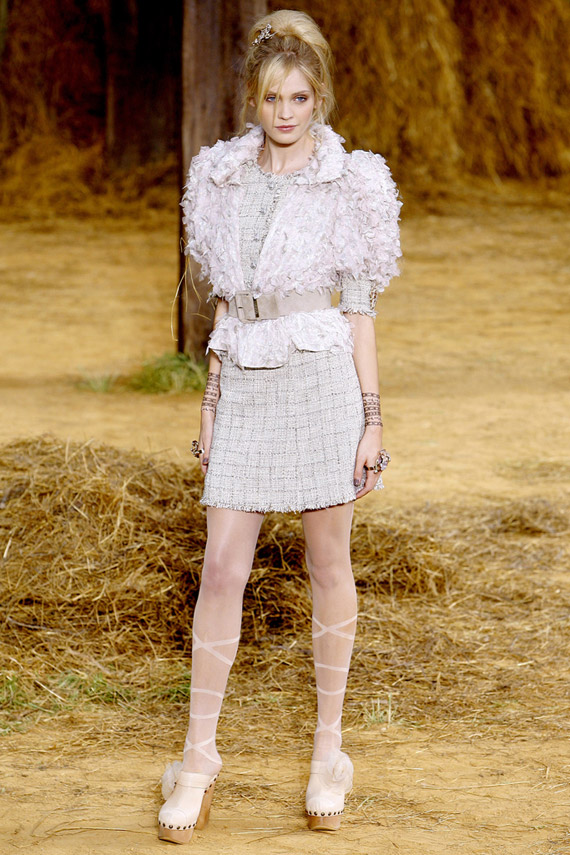 chanel-spring-2010-look-04