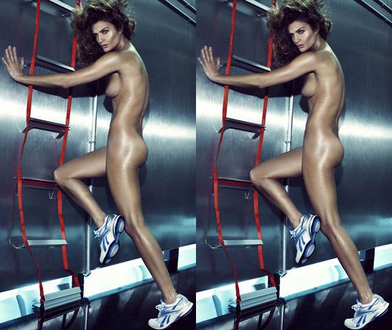 Helena Christensen Pose Nude for Reebok