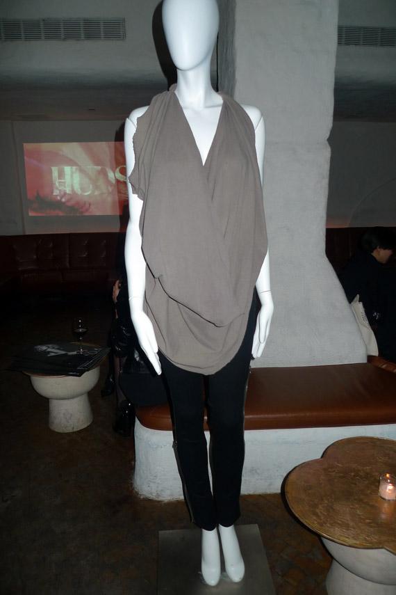 Outfit Event Hopping On A Rainy Night... - Nitrolicious.com