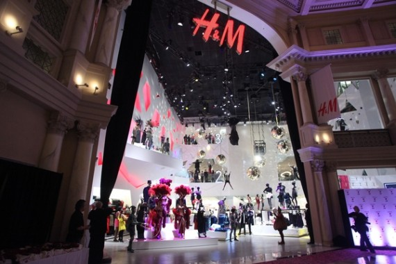H&M at The Forum Shops at Caesars Palace in Las Vegas ...