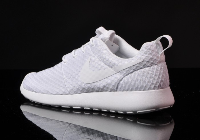 nike white roshes