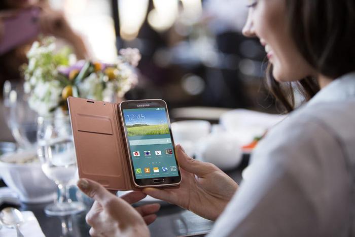 Samsung Galaxy S5 + Gear 2 + LeBron App