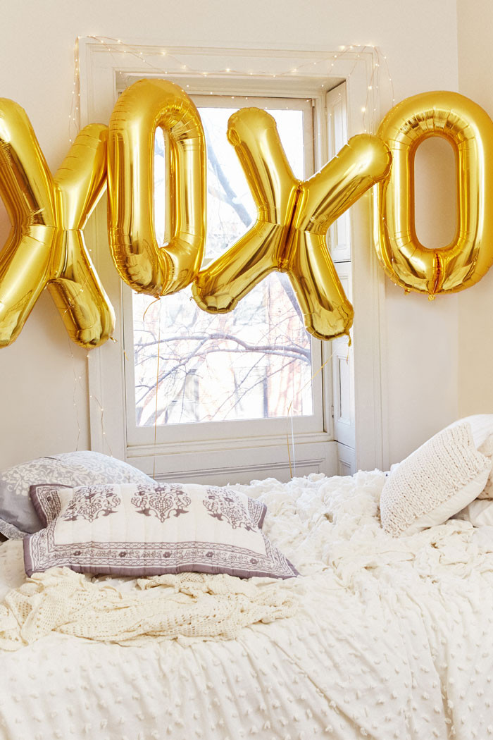 Urban outfitters valentine 39 s day lookbook Urban outfitters bedroom lookbook