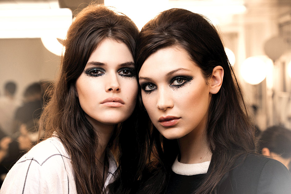Chanel Paris in Rome Métiers d'Art 2016 Show Backstage Makeup