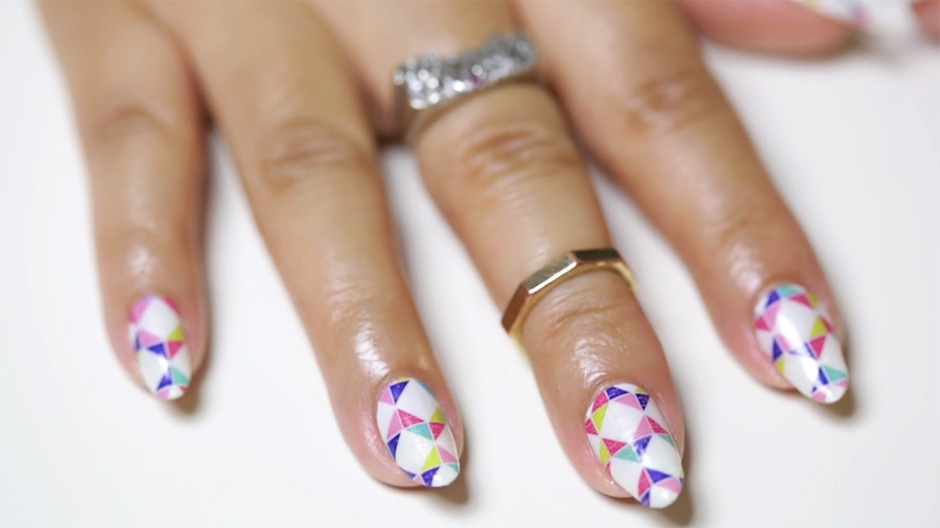How to Remove and DIY Gel Manicure with Nail Polish Strips