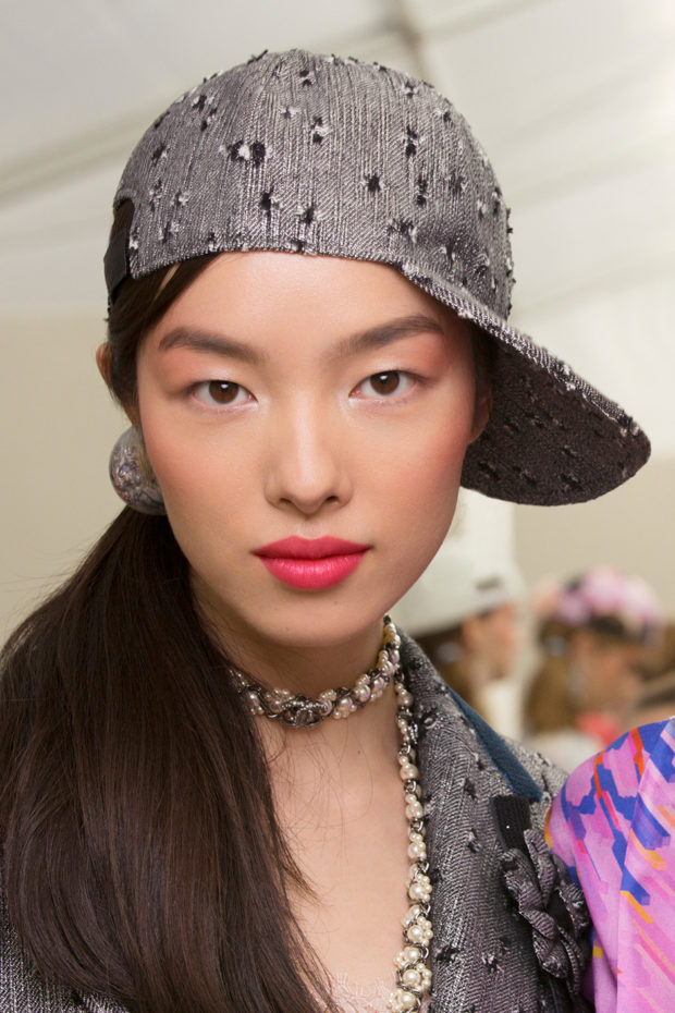 ... here s all the products used to created those amazing looks!. Try to  recreate it the look with all the CHANEL products listed below. 2254894e416